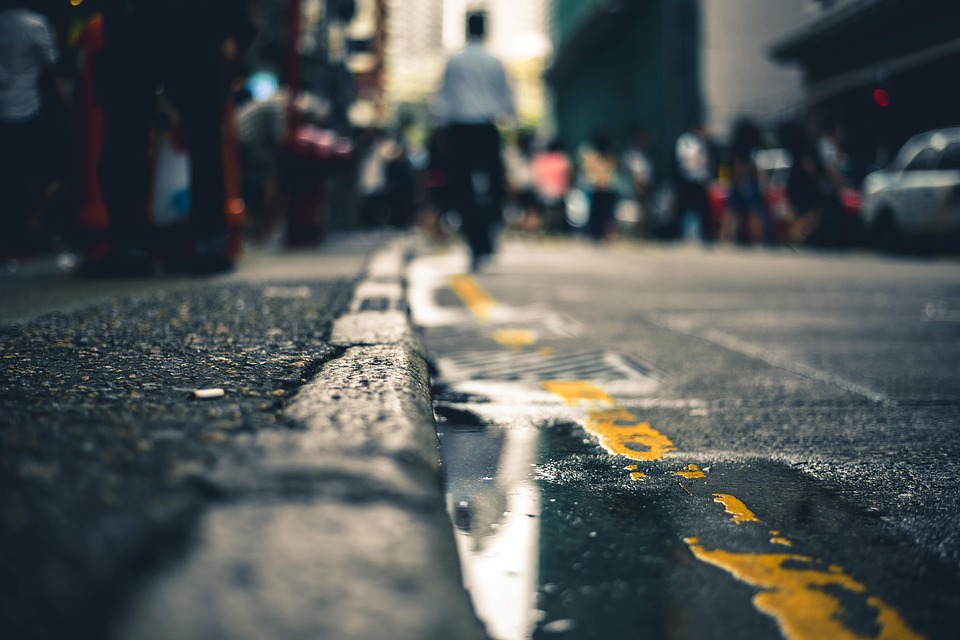 What to Consider if You Suffer a Sidewalk Injury outside a Small Business